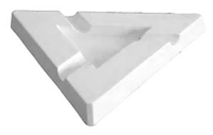 Ashtray – Triangular – 22.5×22.5×2.5cm – Base: 10.5×10.5cm