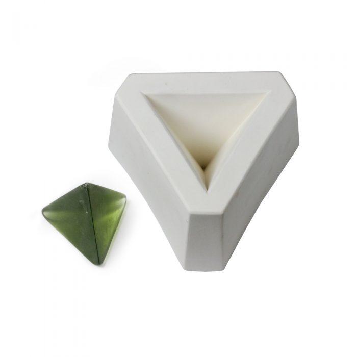 Pyramid – 3-sided – 15x11x8.5cm