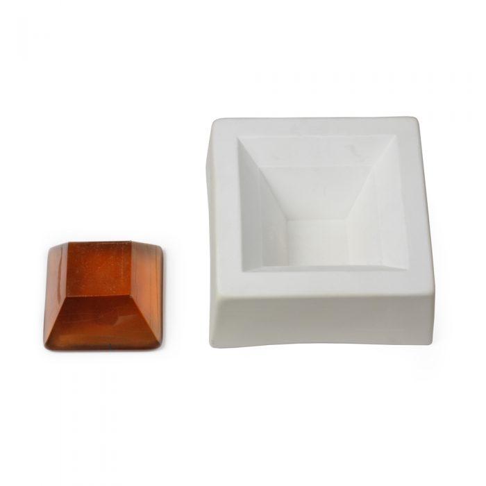 Pyramid – Cut – 14.5×14.5x6cm
