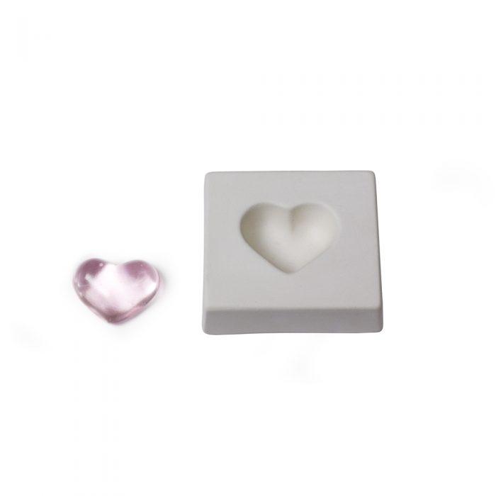 Heart – 7.6×8.2 x2.3cm