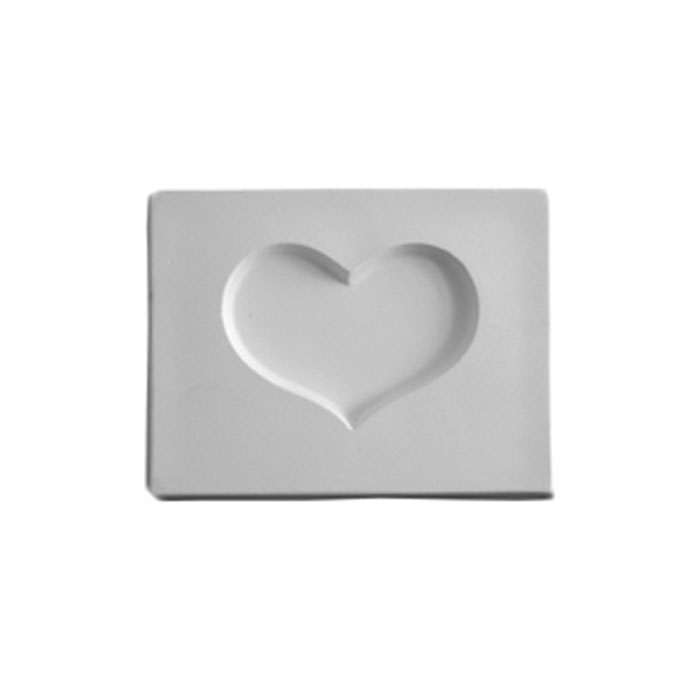 Heart – 10.6×8.1×1.3cm – Opening: 6.5×4.8cm